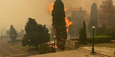 Fire raging on the slopes of Table Mountain, section of Rhodes Memorial restaurant destroyed