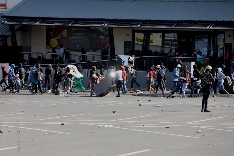 Western Cape, Cape Town, looting, protests, SANDF, SAPS