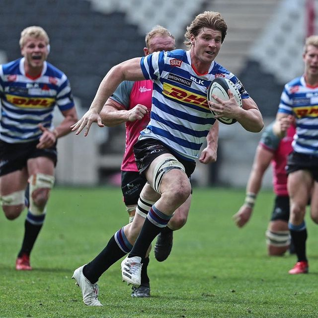 Evan Roos runs with the ball for Western Province vs Pumas
